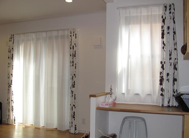 所沢市Y様邸のリビング【北欧モダン】のオーダーカーテンのコーディネート
